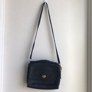Vintage Coach Black Court Crossbody bag
